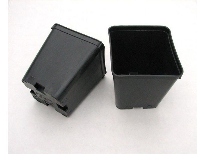 Квадратна пластмасова твърда саксия 7x7x8cm