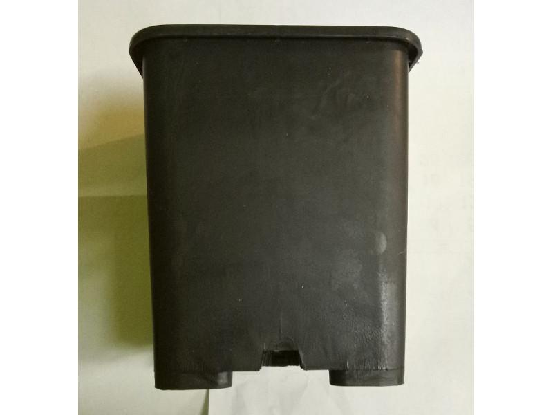 Квадратна пластмасова твърда саксия 18x18x23cm